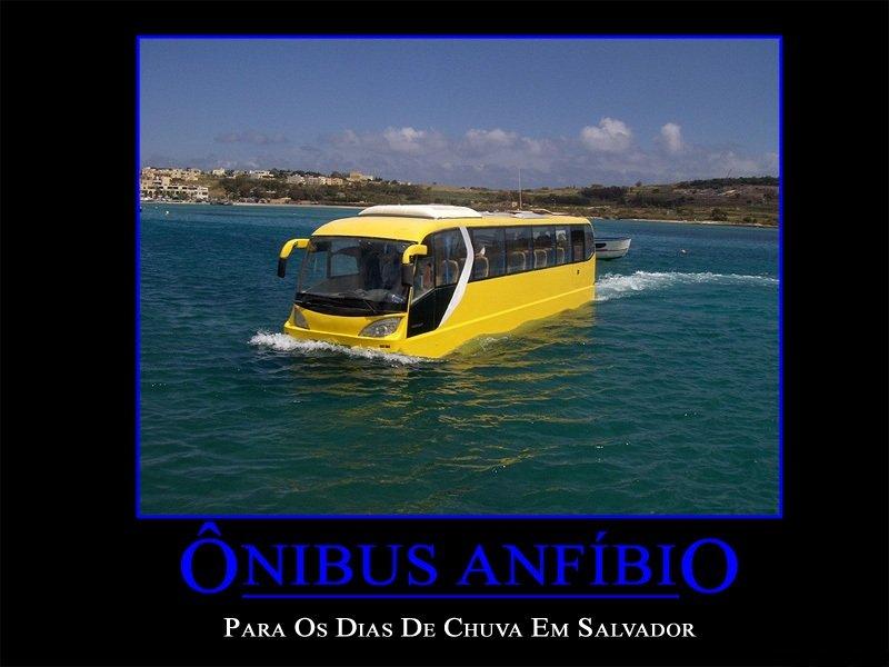 Ônibus anfíbio
