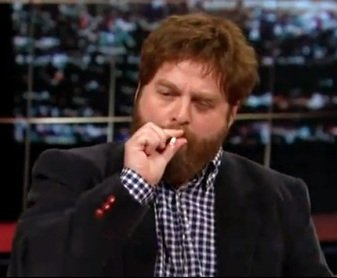 Zach Galifianakis fuma cigarro de maconha ao vivo no programa de TV
