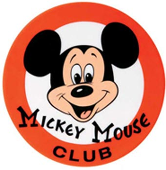 Mickey sofre acidente