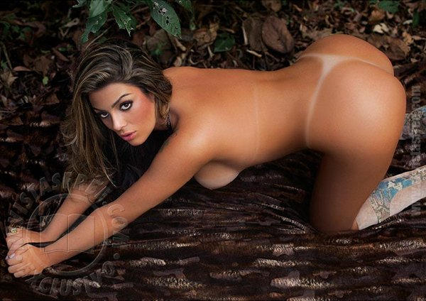 Fotos da ex-bbb Monique na revista Sexy