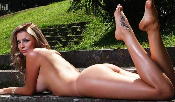 Fotos da playboy de novembro Karen Kounrouzan pelada nua