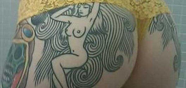 Tatuagens femininas desenhadas em lugares íntimos (29)