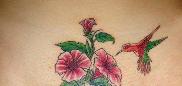 Tatuagens femininas desenhadas em lugares íntimos (3)