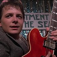 Michael J. Fox tocando Johnny B. Goode