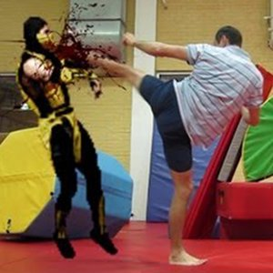 Scorpion vs Super Oleg — Mortal Kombat na vida real