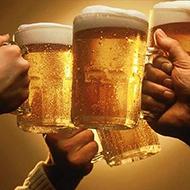 Malucos fazem sair cerveja em todas as torneiras da casa de amigo