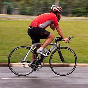 Ser ciclista no Brasil é…