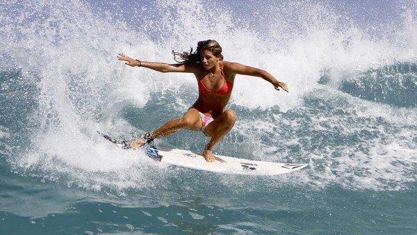 mulheres surfistas