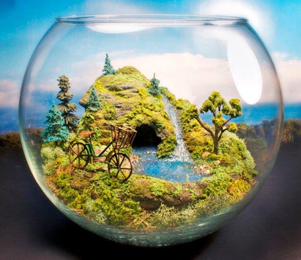 Esculturas dentro de um aquário