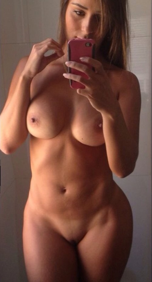 Leticia Cline desnuda Imgenes, vdeos y grabaciones