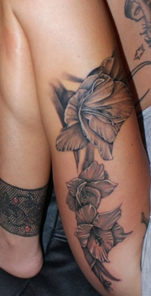 Quer tatuar a coxa e não sabe o que fazer (12)