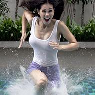 """Asiáticos mostram que é possível caminhar sobre a """"água"""""""
