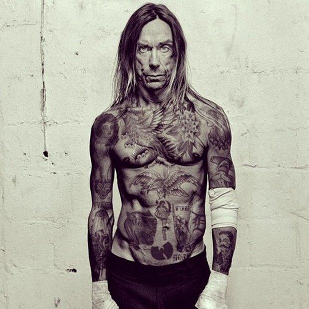 Celebridades com o corpo fechado de tatuagens (10)
