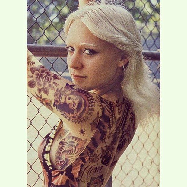 Celebridades com o corpo fechado de tatuagens (19)