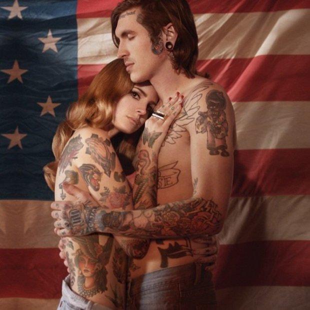 Celebridades com o corpo fechado de tatuagens (27)