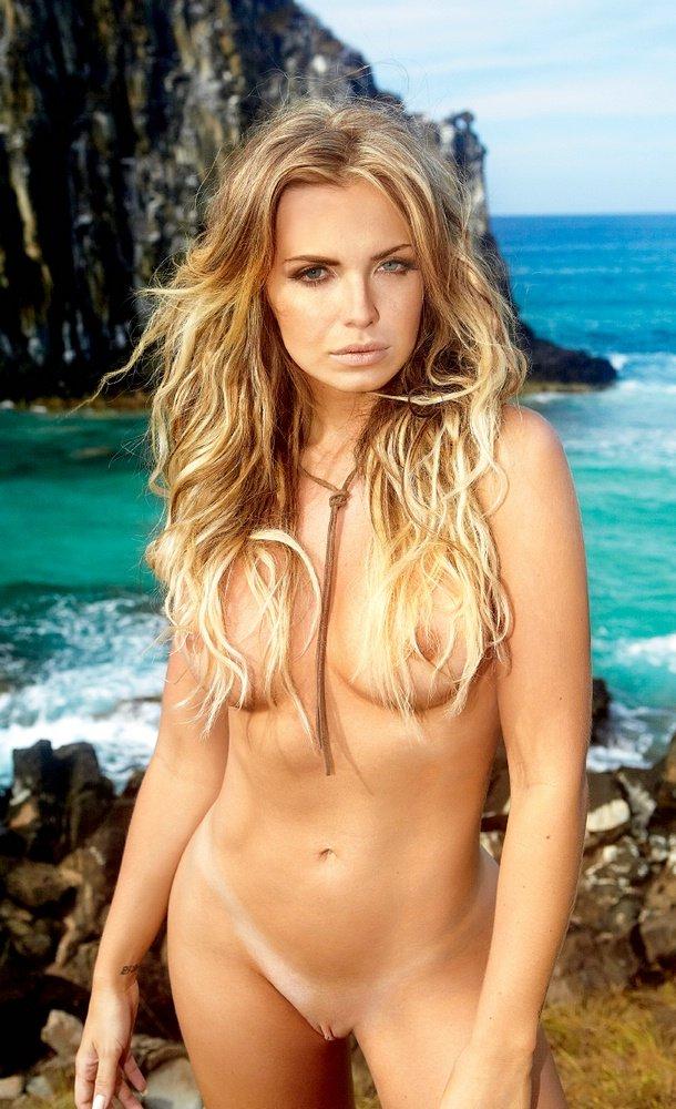 Fotos Playboy As Belas Da Praia Janeiro