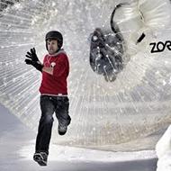 Boliche humano na neve