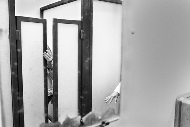 Os misterios de um banheiro feminino (2)