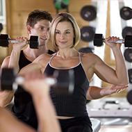 Um personal trainer que faria você se manter longe da academia