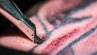 Tatuagem em slow motion