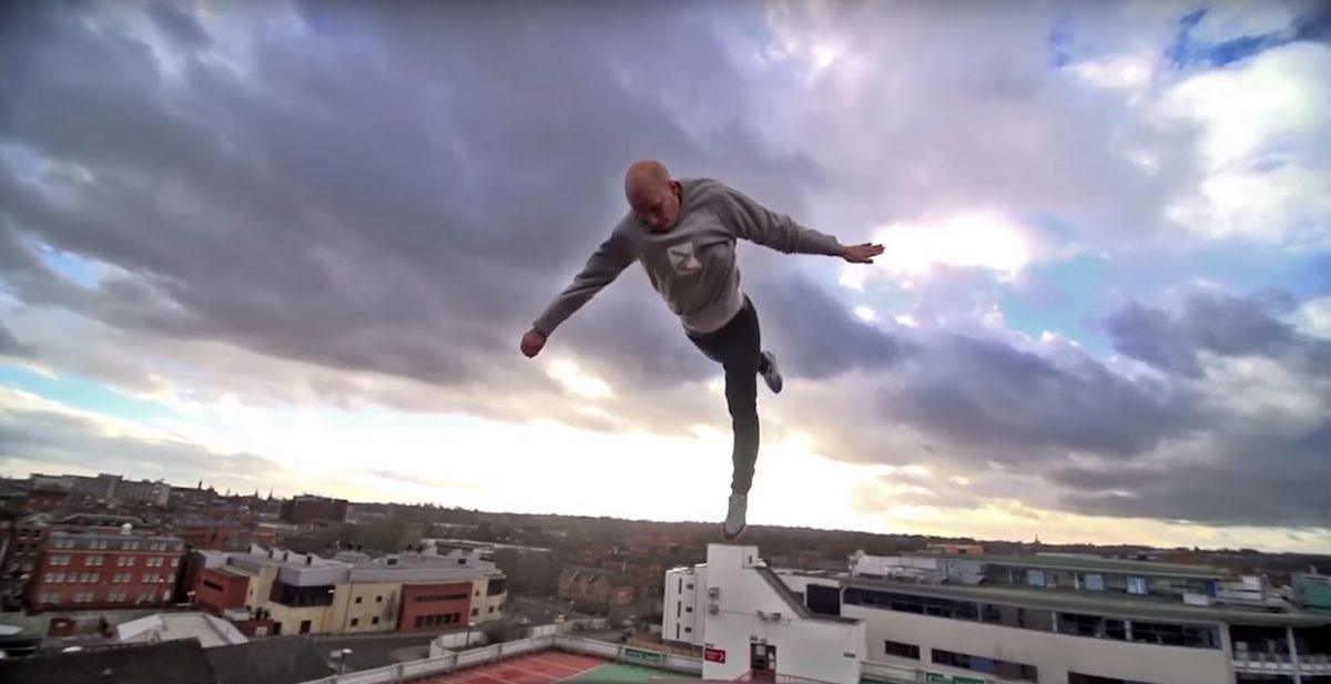 Damien Walters O Super heroi do Le Parkour