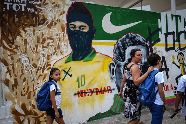 FBL-WC-2014-BRAZIL-PROTEST-GRAFFITI-NEYMAR