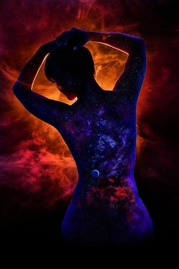 Mulheres e tintas fluorescentes (1)