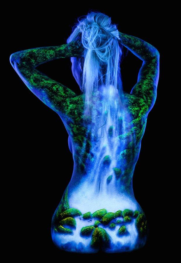 Mulheres e tintas fluorescentes (4)