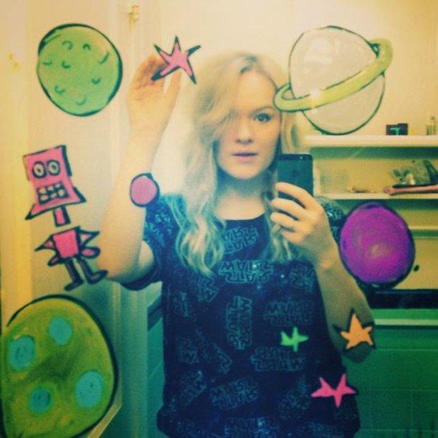 Um jeito diferente de tirar selfies no banheiro (9)