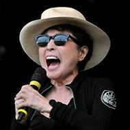 Yoko Ono faz o pior show das histórias dos shows que o planeta já presenciou