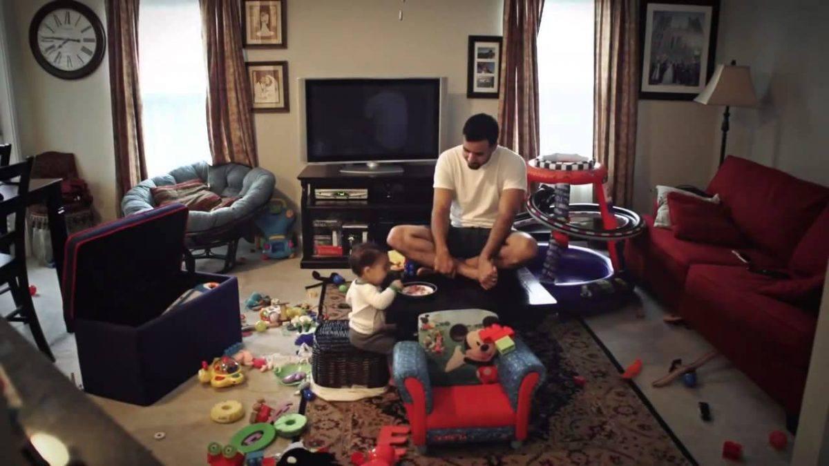O que pai e filho fazem quando a mae nao esta em casa