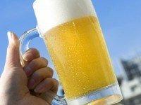 Como imobilizar alguém apenas com um copo de cerveja