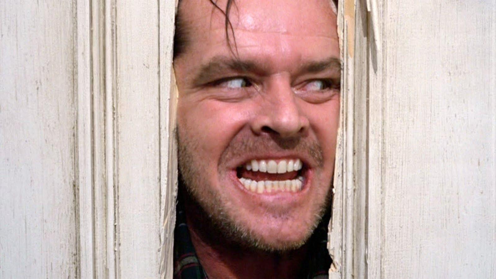 Jack Nicholson se preparando para gravar famosa cena de O Iluminado