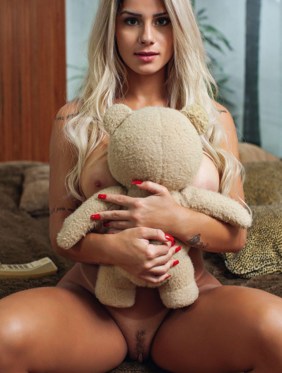 Fotos Playboy Panicat Iara Ramos Outubro (19)