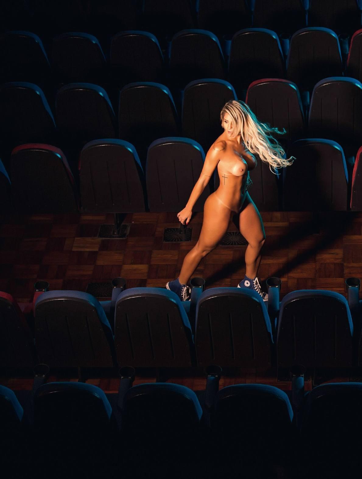 Fotos Playboy Panicat Iara Ramos Outubro (9)