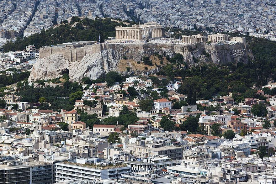Lugares famosos e seus verdadeiros arredores (16)