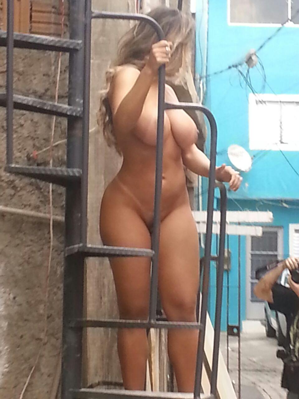 Fotos Mulher Melao na favela Heliopolis - Caiu no WhatsApp Bastidores da Sexy (19)