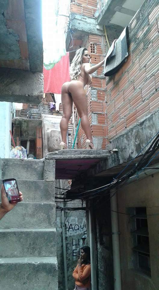 Fotos Mulher Melao na favela Heliopolis - Caiu no WhatsApp Bastidores da Sexy (24)