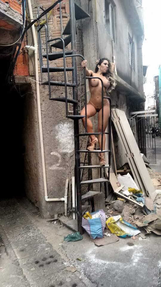 Fotos Mulher Melao na favela Heliopolis - Caiu no WhatsApp Bastidores da Sexy (35)