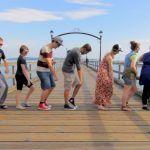 Dancando junto com 100 pessoas