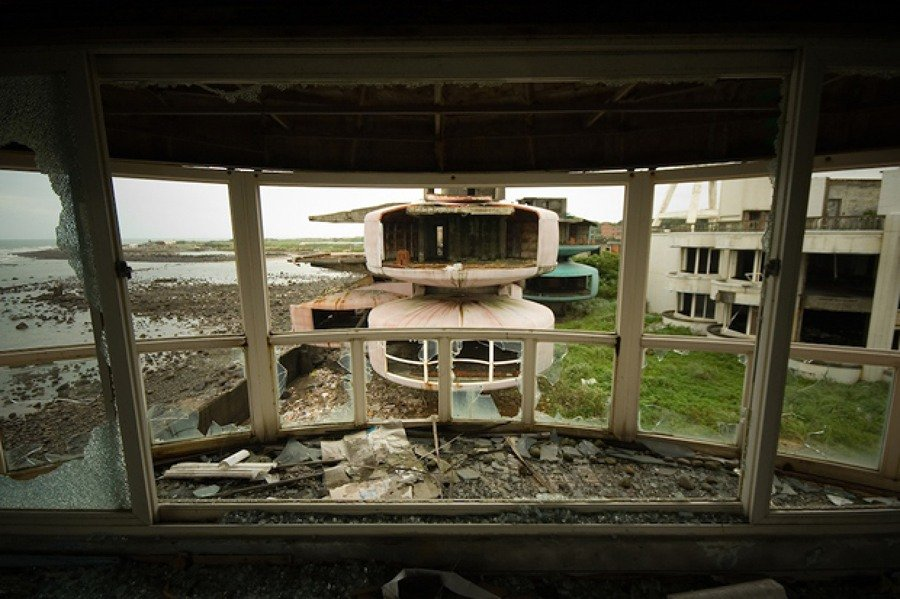 as-13-casas-abandonadas-mais-assustadoras-do-mundo-15