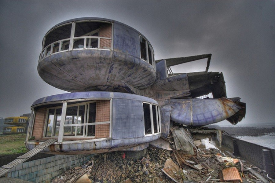 as-13-casas-abandonadas-mais-assustadoras-do-mundo-17