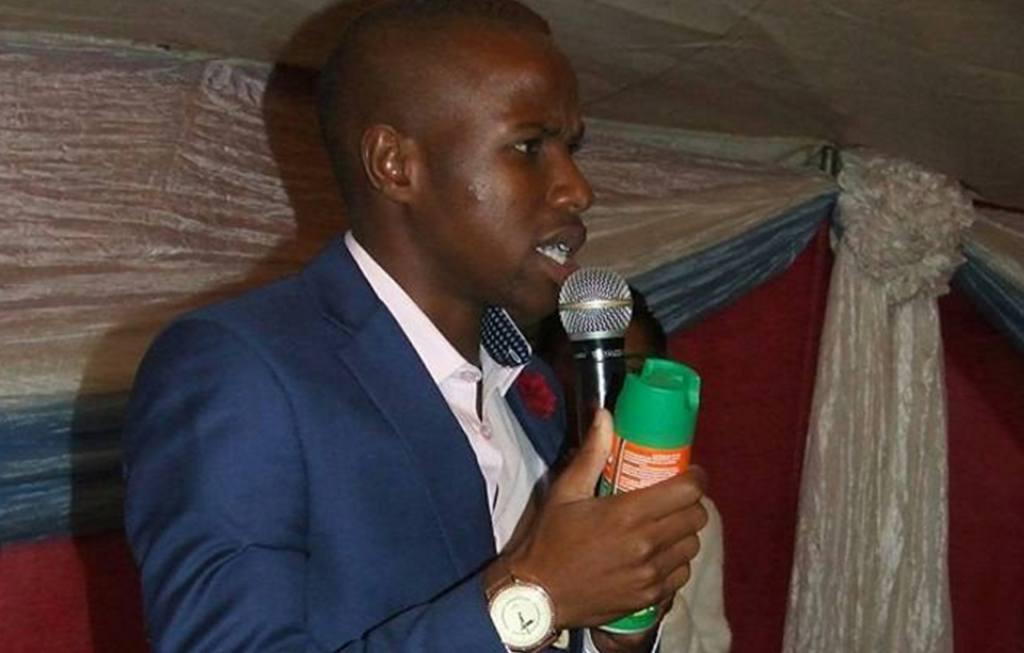 pastor-da-africa-do-sul-promete-curar-doencas-usando-inseticida-ungido-nos-fieis-5