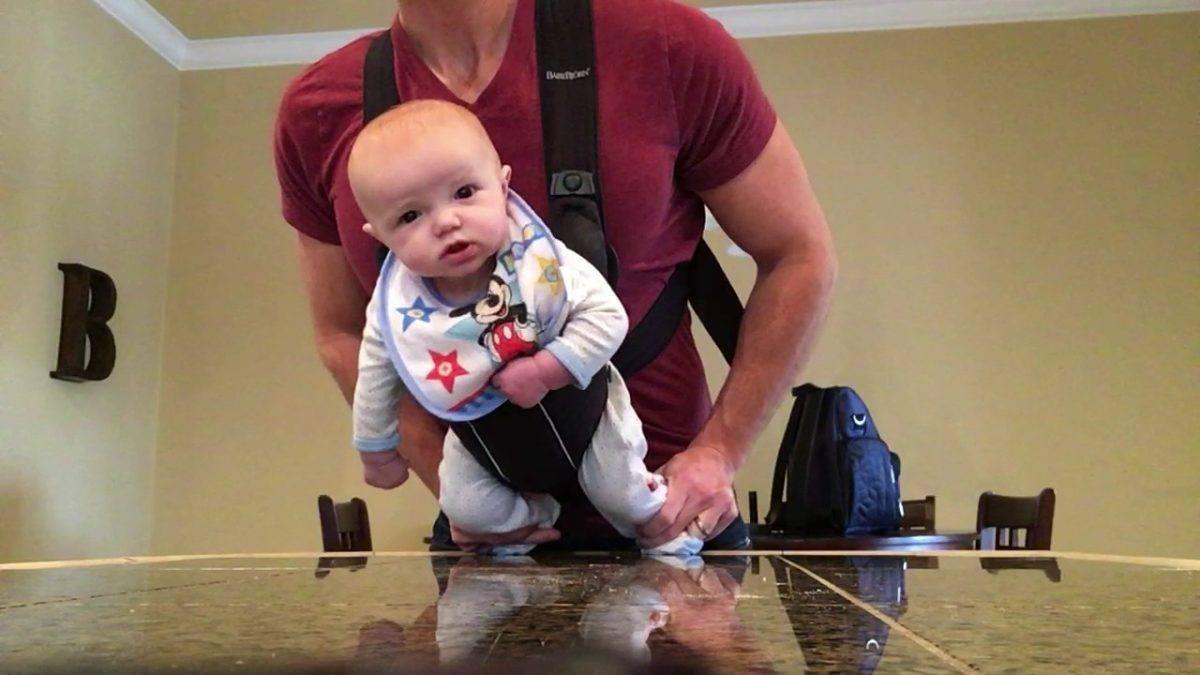 O que acontece quando uma mae deixa o pai cuidando do filho