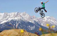As manobras mais radicais de um circuito de mountain bike