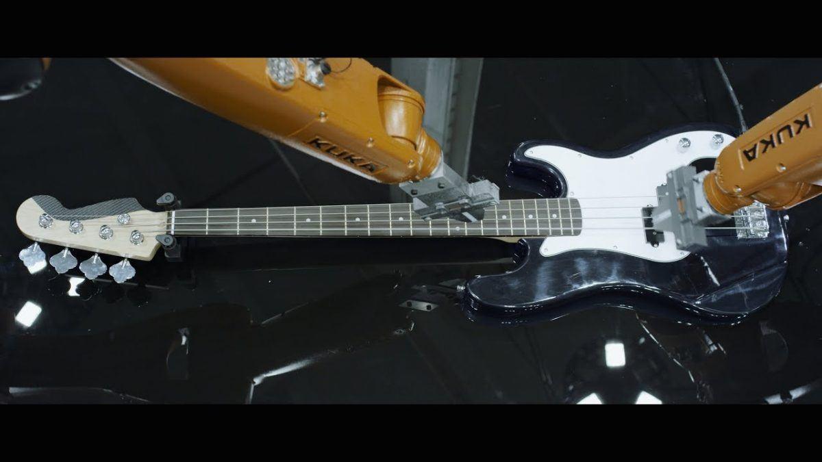 Robos tocando instrumentos musicais