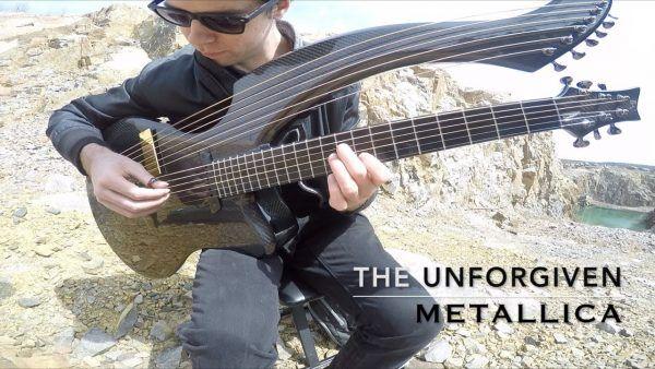 Tocando The Unforgiven do Metallica em uma guitarra harpa