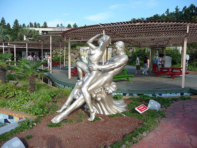 Jeju Loveland conheca o parque erotico da Coreia do Sul 13