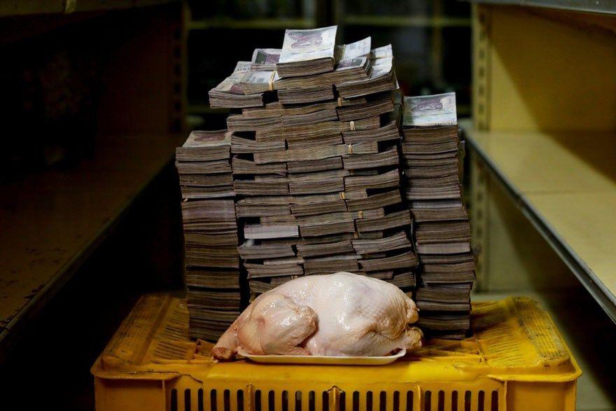 A quantia de dinheiro que precisa para comprar itens básicos na Venezuela