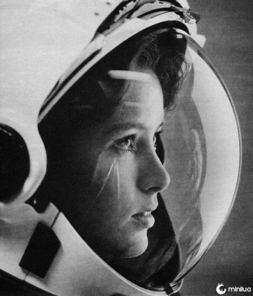 """Anna Fisher """"a primeira mãe no espaço"""" década de 1980"""